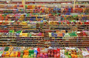 Full shelves at a supermarket
